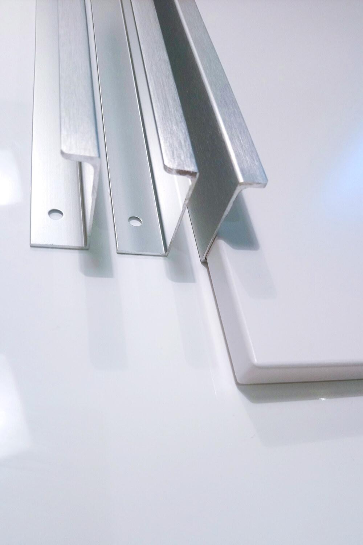 Úchytka na hranu - THEAD - 320mm